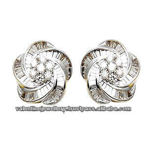 2017 Latest Earring Design Flower Diamond Fancy Style In White
