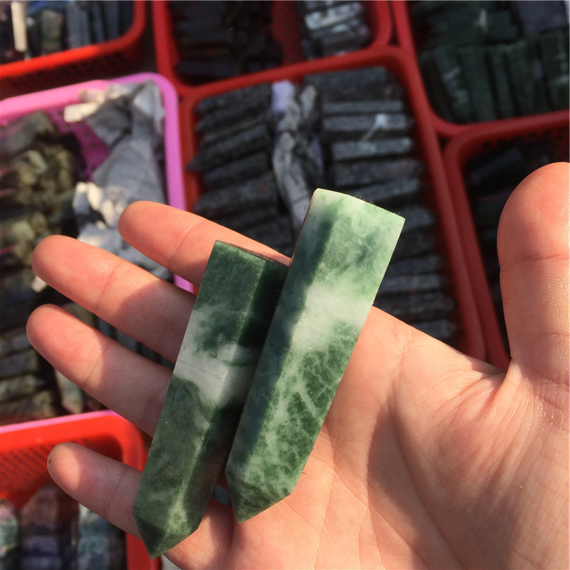 Bulk Wholesale Green Jade Gemstone Healing Crystal Point For Home Decor