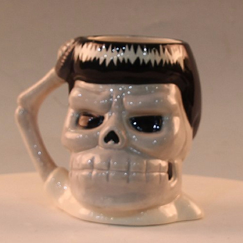 black and white Totenkopf Tasse aus Keramik - Skull Mug Ceramic Krug