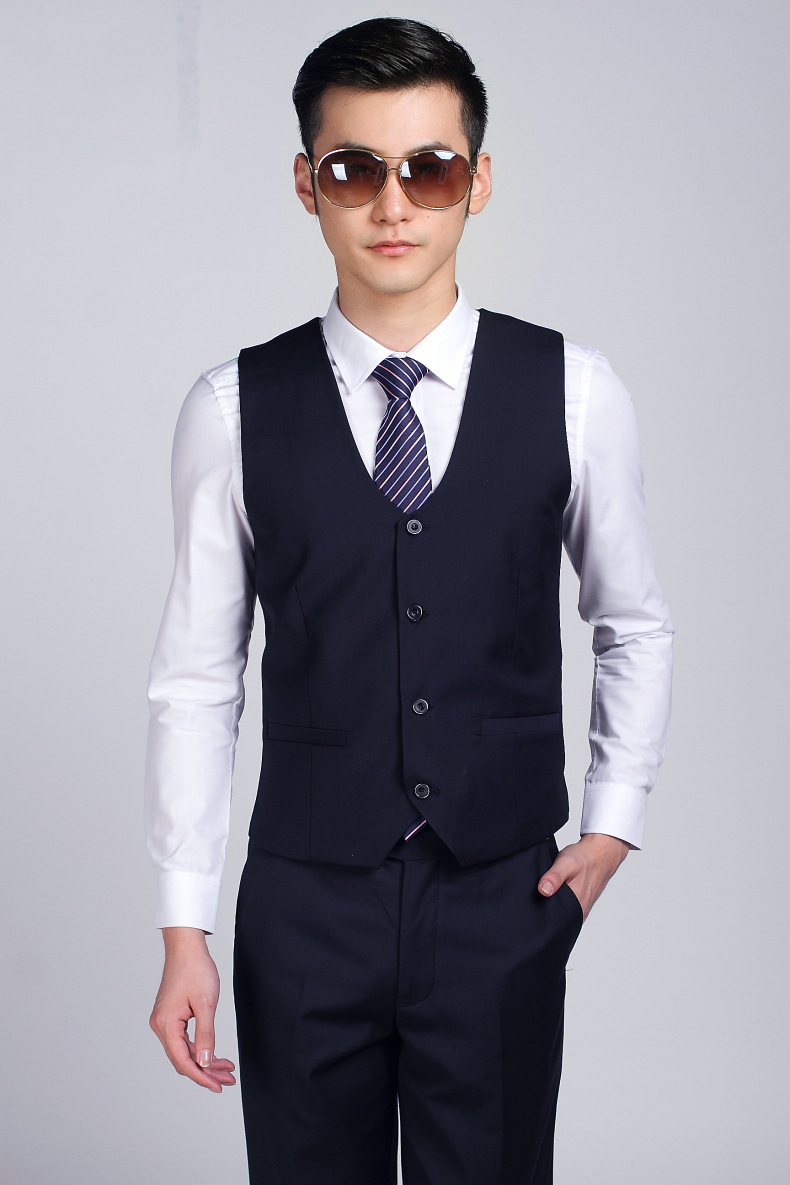 Perfect Tux is the premier online source for formal wear online. High quality tuxedos for sale. Also featuring, mens suits, boys suits, blazers, dinner jackets, womens tuxedos, and more.