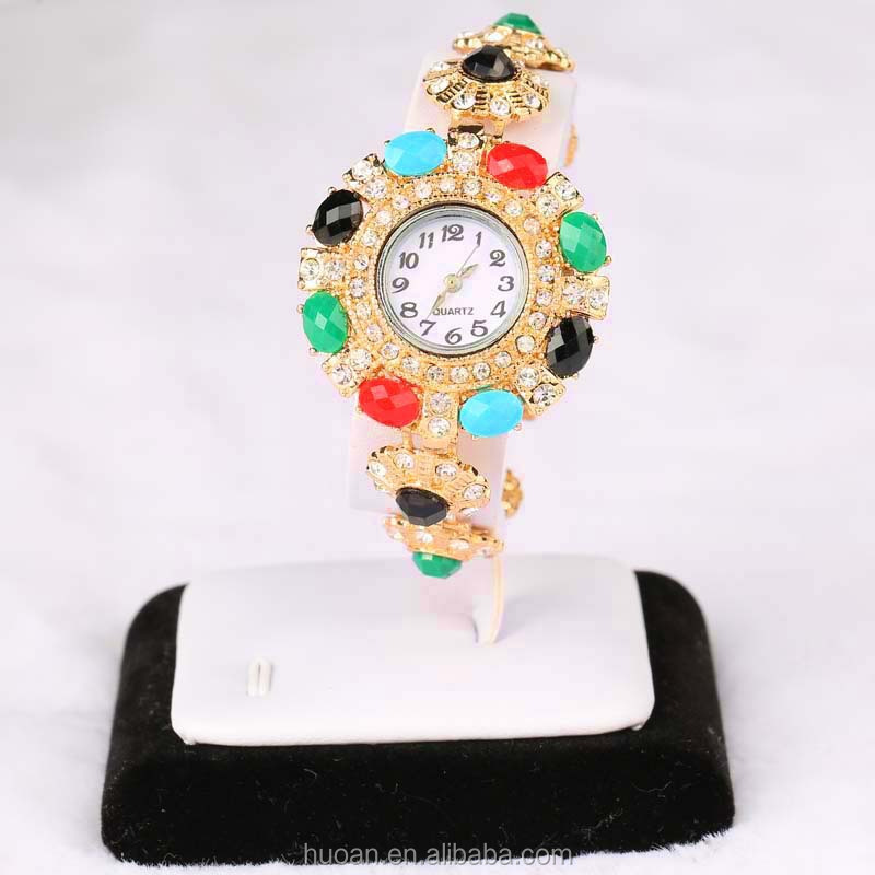 Wholesale fashion deisgn resin made cheap price bangle watch