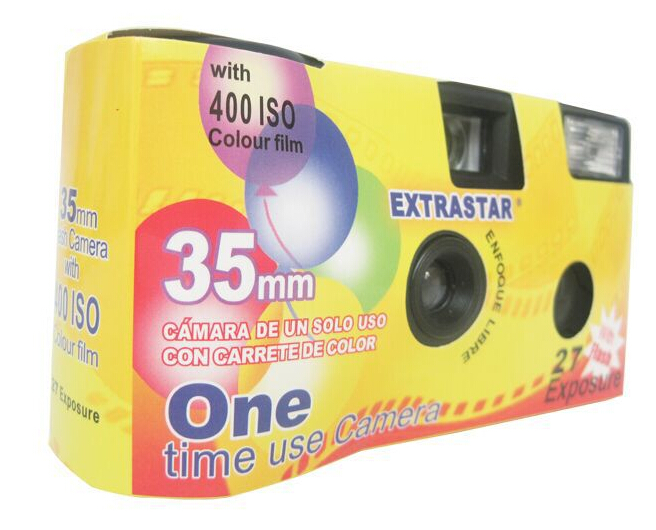 Macchina fotografica usa e getta con flash