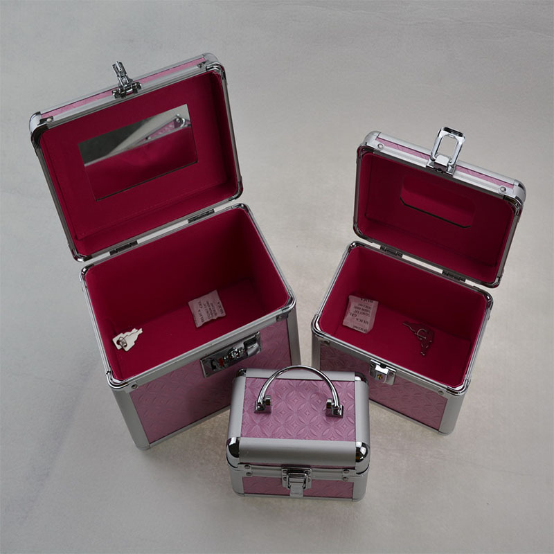 huge makeup case - photo #46