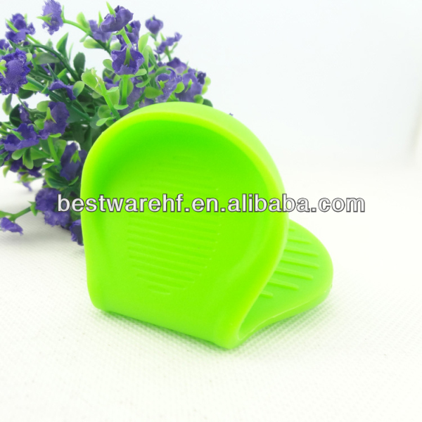 Heat resistant silicone holder/ silicone grabber/ silicone hot pot glove