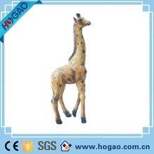 Lifelike resin giraffe with nice painting statues for house decoration
