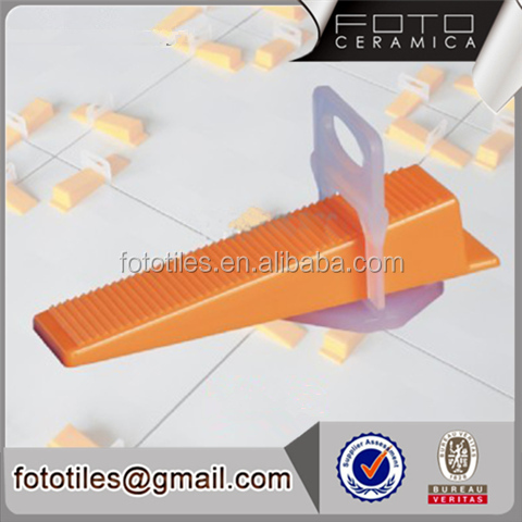 Foto Large Small Plastic Rai tile leveling clip 1.5mm