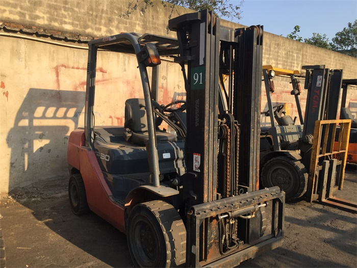 5FD30 6FD30 7FD30 8FD30 Used Forklift Toyota With Red Color and High Quality