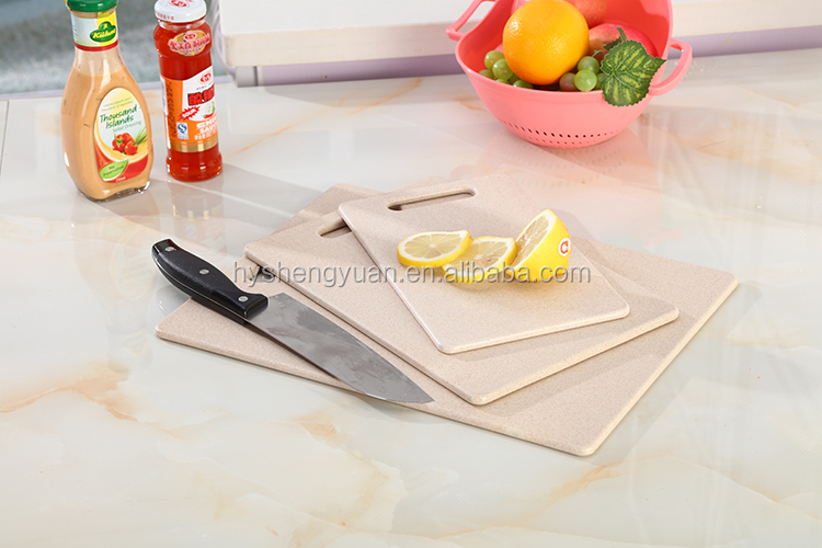 2018 New custom natural wheat straw thin fruit cutting board/ Eco Friendly food grade vegetables chopping blocks