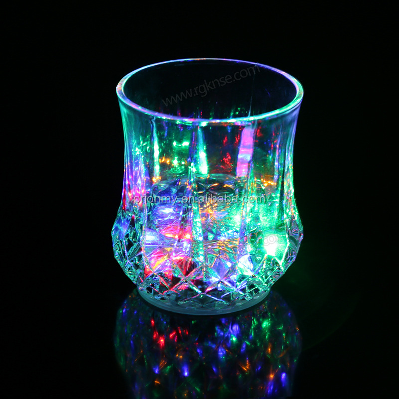 Fashionable Barware whosale custom rock led flashing cups glass