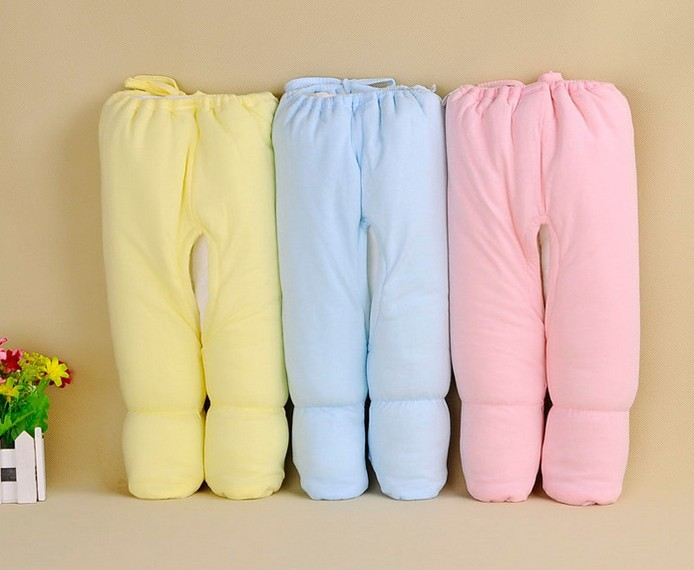 Our handy packs of stylish leggings are great for stocking up casual wardrobes. In pink and white, these lovely leggings have elasticated waists and light floral patterning in places, as well as unique covered feet for extra comfort, warmth and practicality.5/5(2).