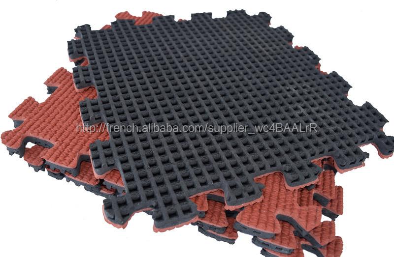 terrain de jeu pour les enfants du caoutchouc de. Black Bedroom Furniture Sets. Home Design Ideas
