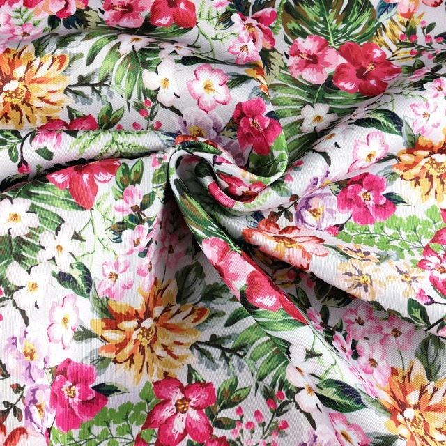 Factory Directly Sale Floral Material fabrics textiles 100% polyester
