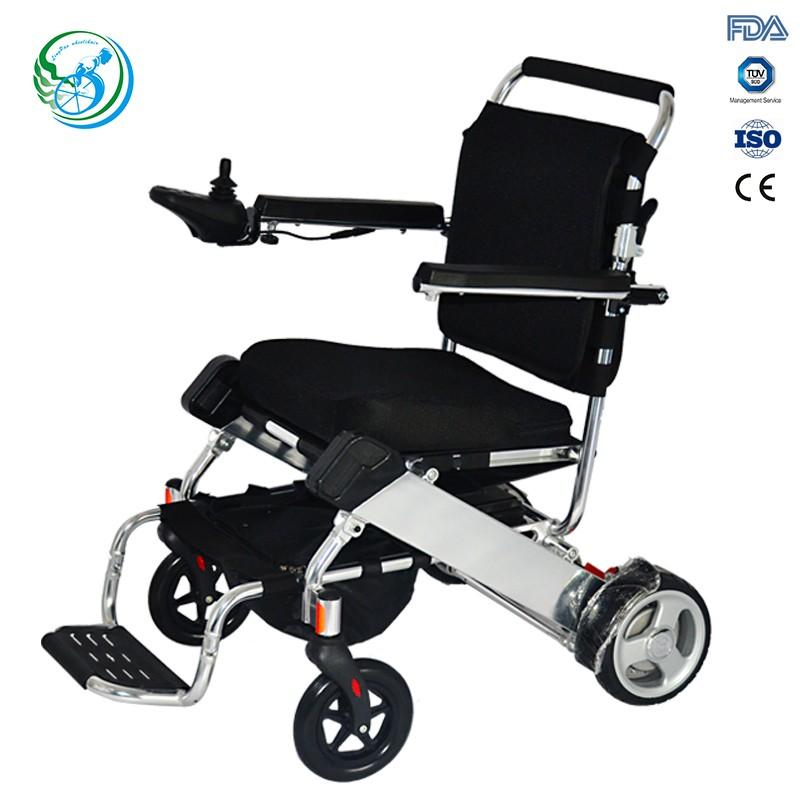 l ger fauteuil roulant lectrique pliable pour les. Black Bedroom Furniture Sets. Home Design Ideas