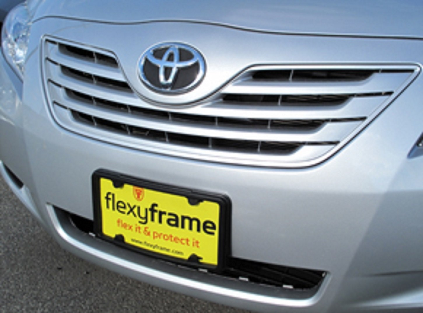 A NASA-like Rubber Front License Plate Bracket Frame Tag Holder Guard Bumper for TOYOTA