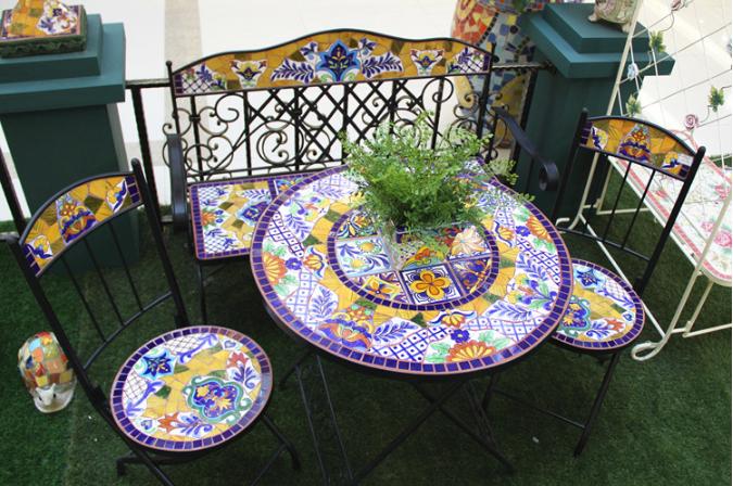 Ferro battuto e da giardino in ceramica mosaico tavolo e sedie, cortile esterno 2 1 tavolo e ...