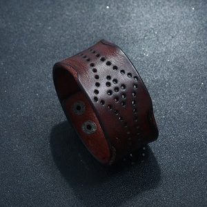 Hot selling brown genuine leather iron button handmade bracelet