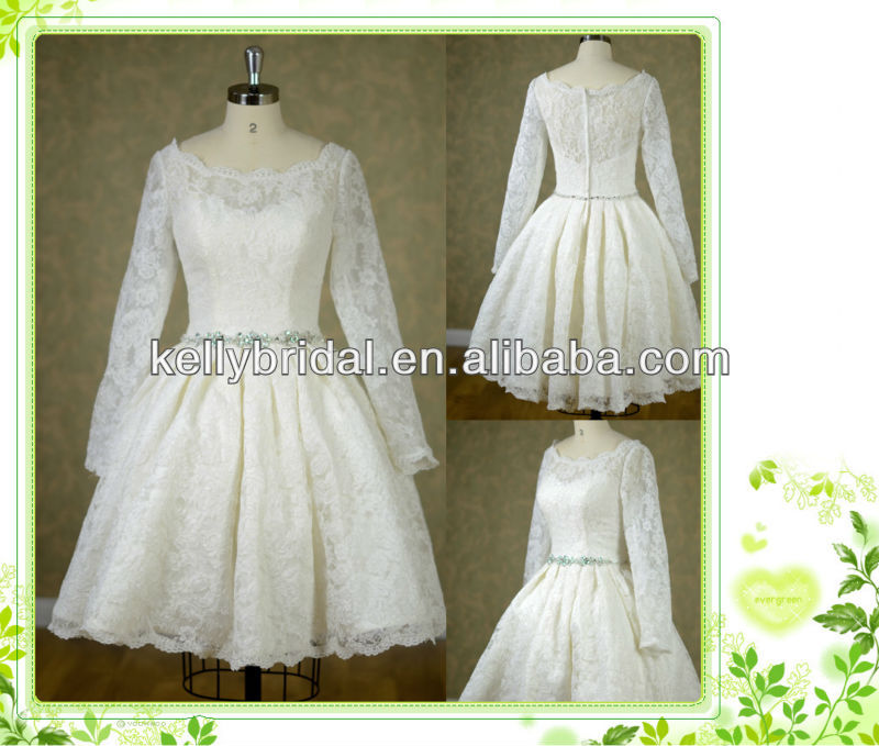 Beautiful knee lenght lace wedding dress with long sleeve and zipper back