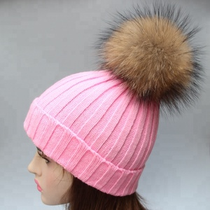 Fashion fur pom pom hats women lady bobble beanie hats with hand made real raccoon fur bobble