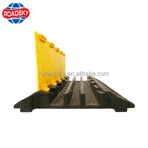 Industrial Flexible Rubber 3 Floor Cable Cover for City