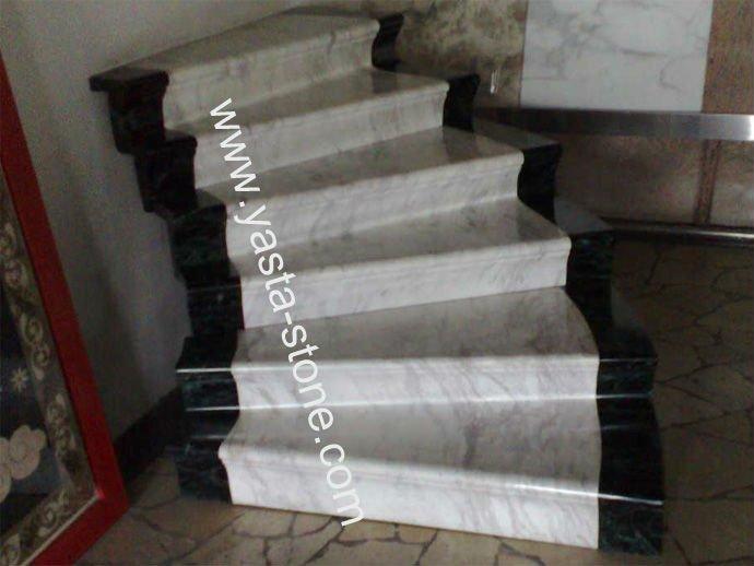 Natuursteen stap trap te bouwen marmeren trap trappen for Trap bouwen