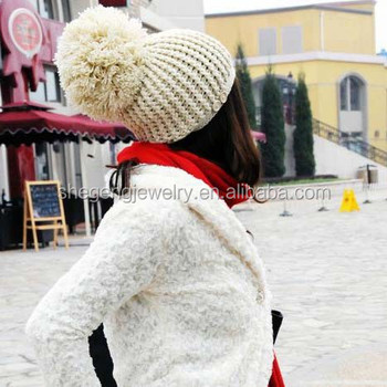 Celebrity Style Ladies Winter Wooly Knitted Bobble Hat Beanie with Button 02818398027