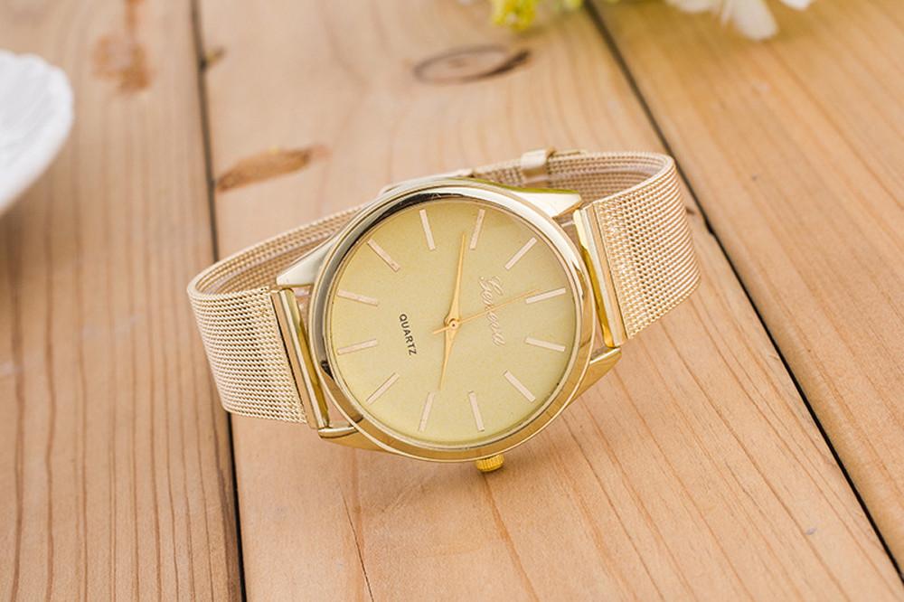 Gemeinsame Großhandel Luxus Goldene Frauen Armbanduhr Kristall Gold Mesh Band &DT_87
