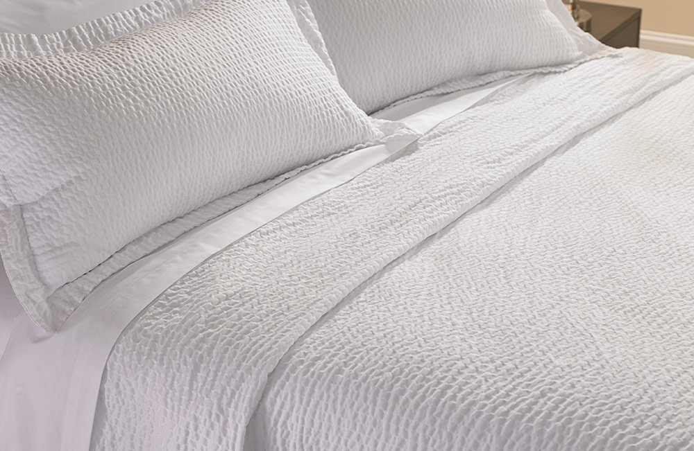 Courtyard by Marriott Hotel Rippled Coverlet - Queen