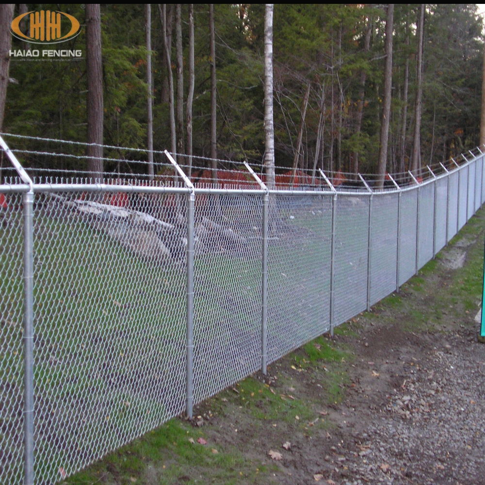 Alibaba top quality cyclone wire fence Philippines with pvc coated ...