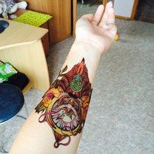 Krásné barevné dočasné tetování – sova