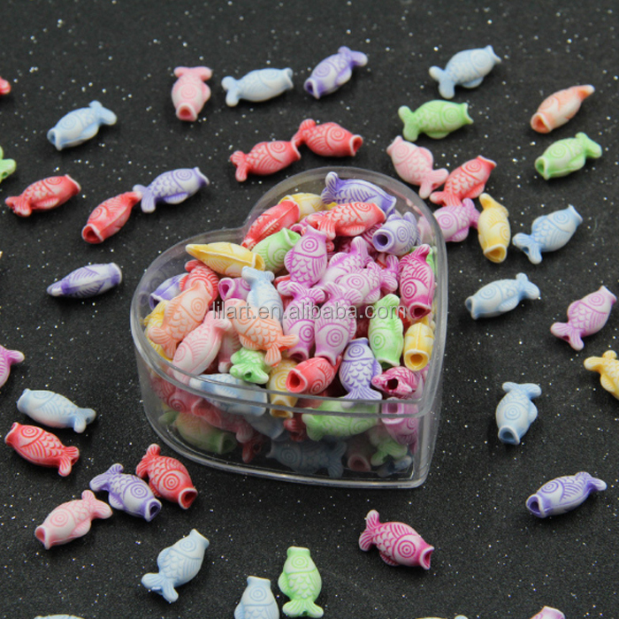 Promotional plastic fish-shaped beads for kids and party decoration