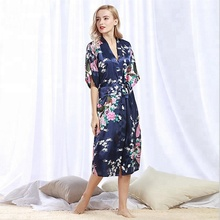 China Producten <span class=keywords><strong>Goedkope</strong></span> Polyester Faux Zijde Robe Vrouwen Sexy Dressing Robes
