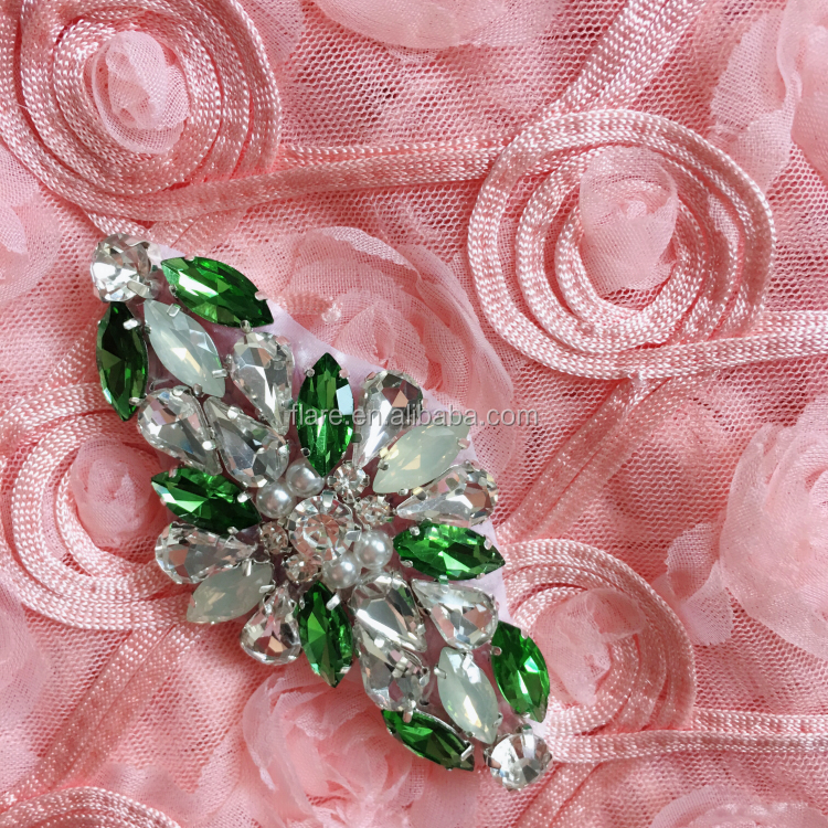 Glass Rhinestone Beaded Applique Peridot Small Indian Round Decorative Sewing Crafting Green Applique for bridal garter wedding