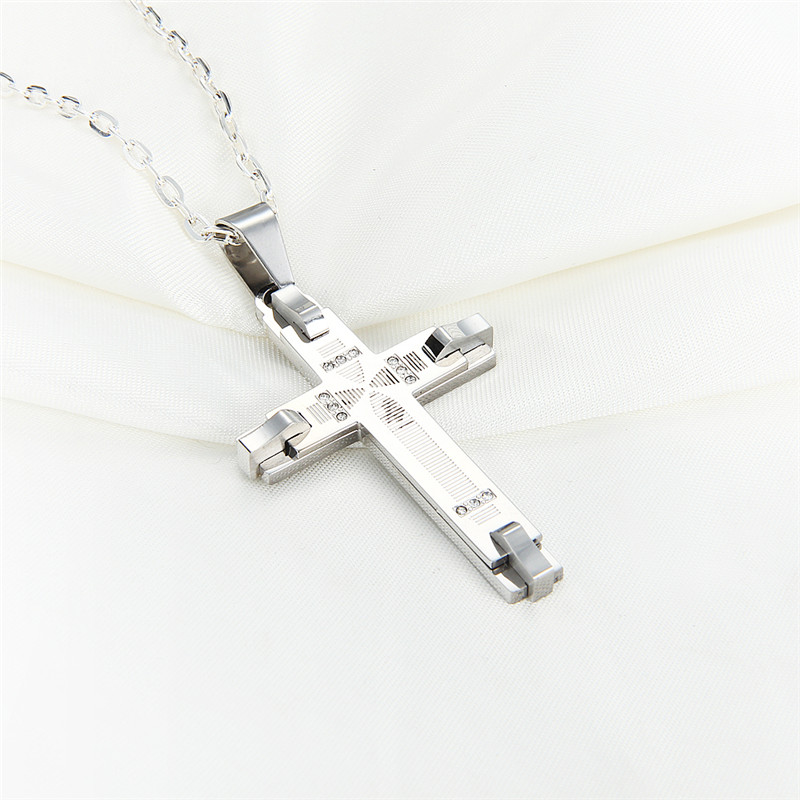 DAIHE stainless steel christian cross quantum pendant price in india