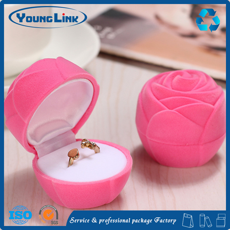 plastic/velvet rose ring jewelry box