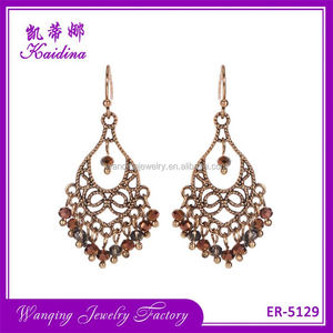 Best seller smooth shining crystal hollow metal bridal silk thread earrings