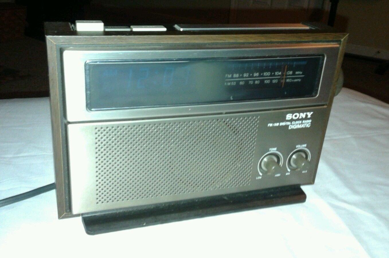 Buy Vintage Yorx Under-Counter AM/FM Radio Alarm Clock in Cheap ...