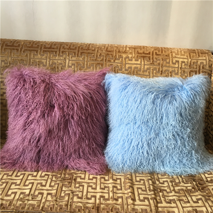 Luxury tibet lamb fur pillow in snow white color for home decoration