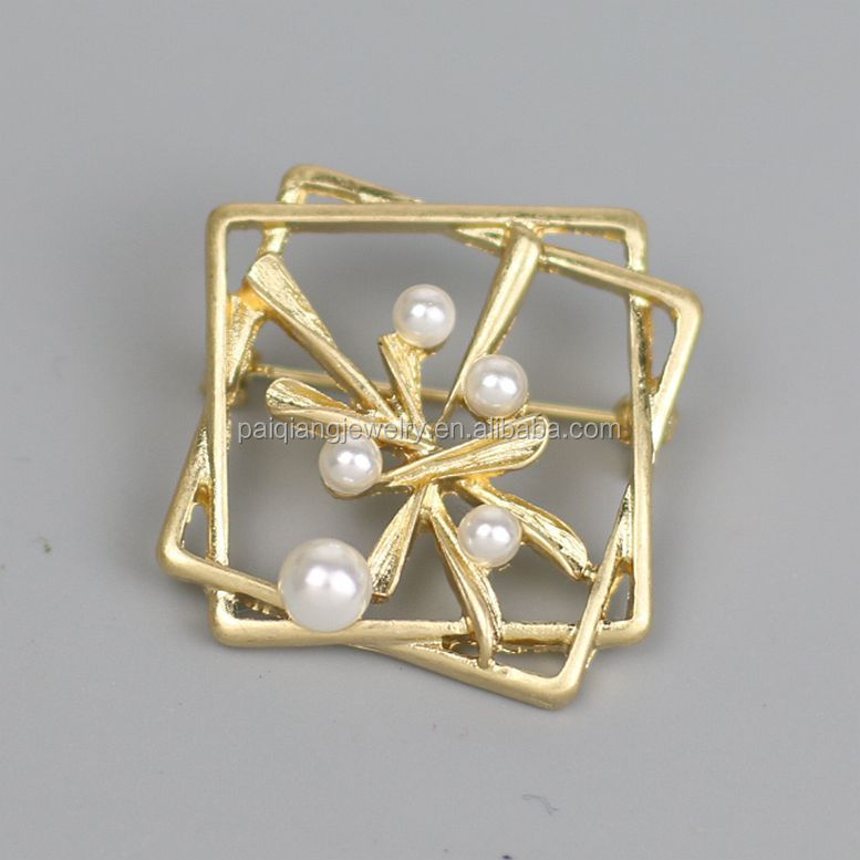 Wholesale fashion gold plated hollow leaf square brooch
