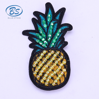 XB005 Customized new design handmade women embroider beaded pineapple brooch pins