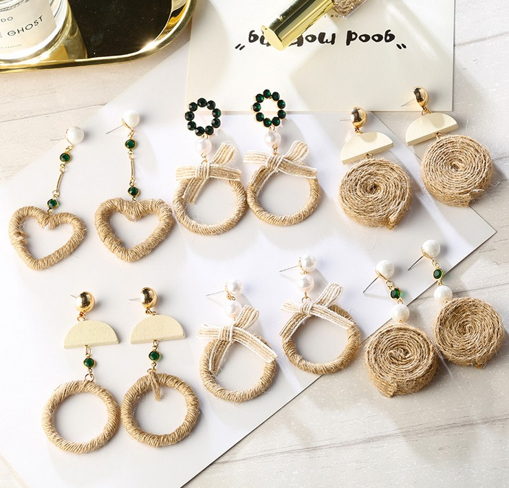 New Arrivals Women Trendy Jewelry Wedding Party Long Wooden Earrings Girls Bow-knot Spherical Unique Straw Big Dangle Earrings
