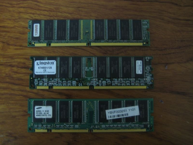 128 SD RAM For Just Rs 148
