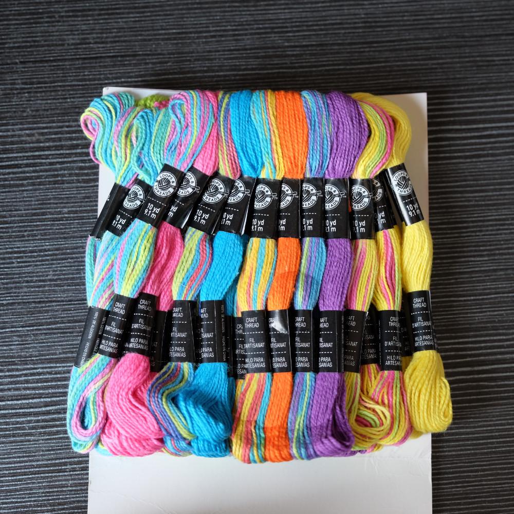 b1efa6c89f2f 10 yardas cada 6S / 2 pulsera de la amistad algodón perla artesanal hilo  Tie Dye Kids Craft 2 hilos cordón, paquete de 50 madejas