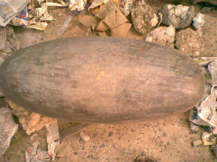 https://sc02.alicdn.com/kf/HTB1fgMbKXXXXXXEXVXXq6xXFXXXJ/4-Feet-Genuine-Shiva-Lingam-Temple-Stone.jpg
