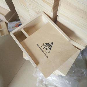 Strong structure square wood gift box with sliding lid