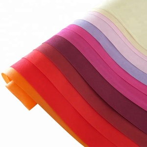 Classical non woven fabric roll 100% pp Rawmaterial of bags