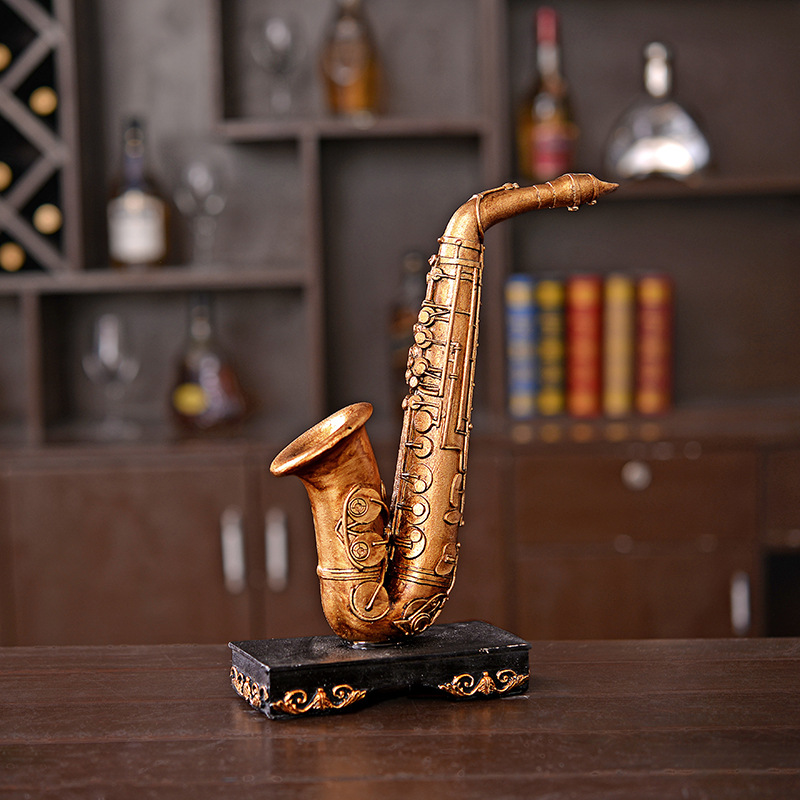 High quality wholesale resin vintage saxophone articles for home deocration