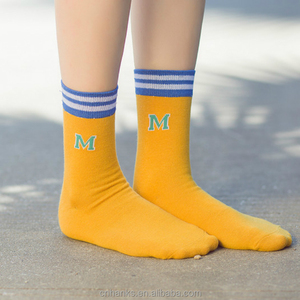 Custom embroidery logo sox hot selling women socks