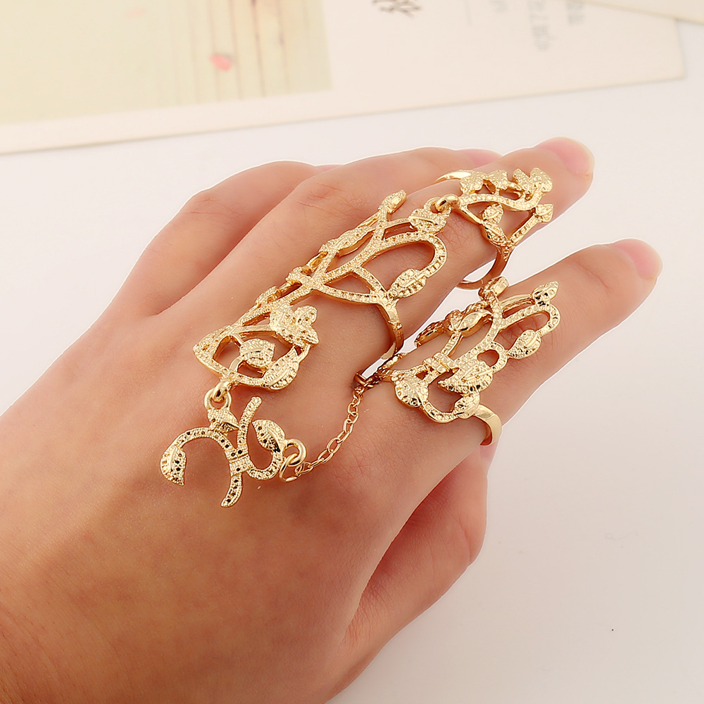 Charm Woman Jewelry Rings Chain Overlapping Geometric Flower Graphics Siamese Chain Hollow High Quality Rings