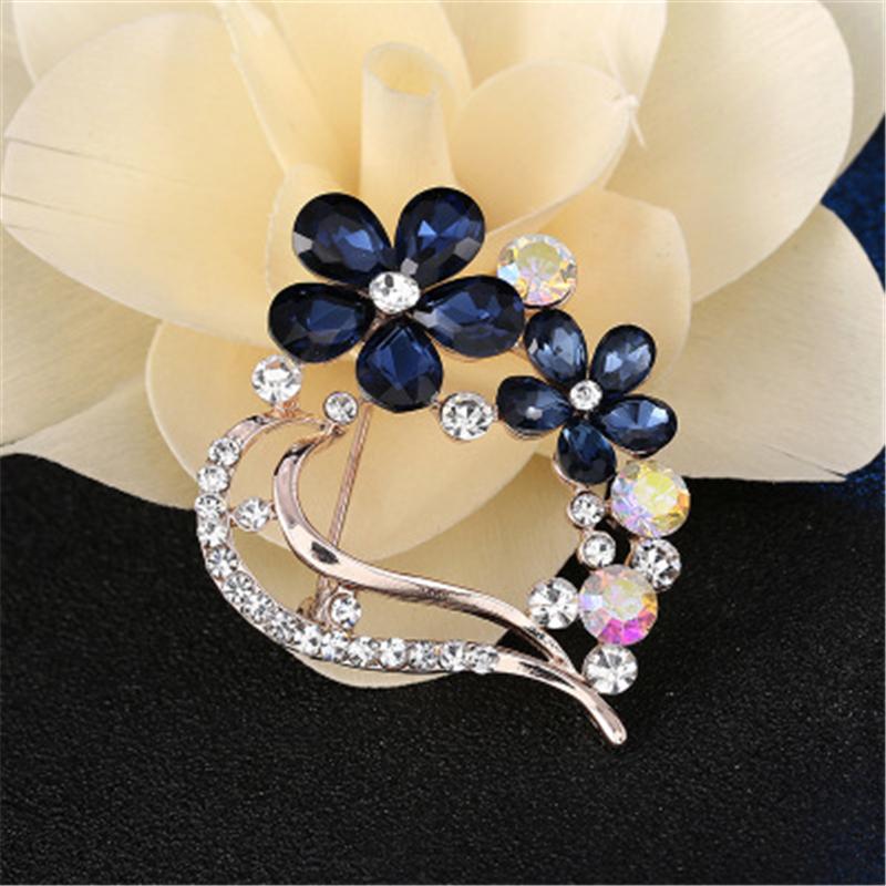 New style heart shape crystal high grade rhinestone alloy brooch for women фото