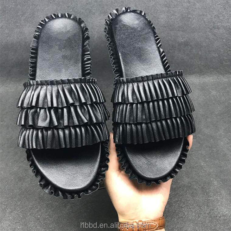 dc8b1bc5ab660f En gros personnalisé en daim noir pantoufles avec volant et drapé pied plat  chaussures